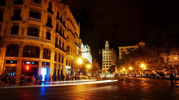 Valencia bij nacht | ValenciaGids.nl